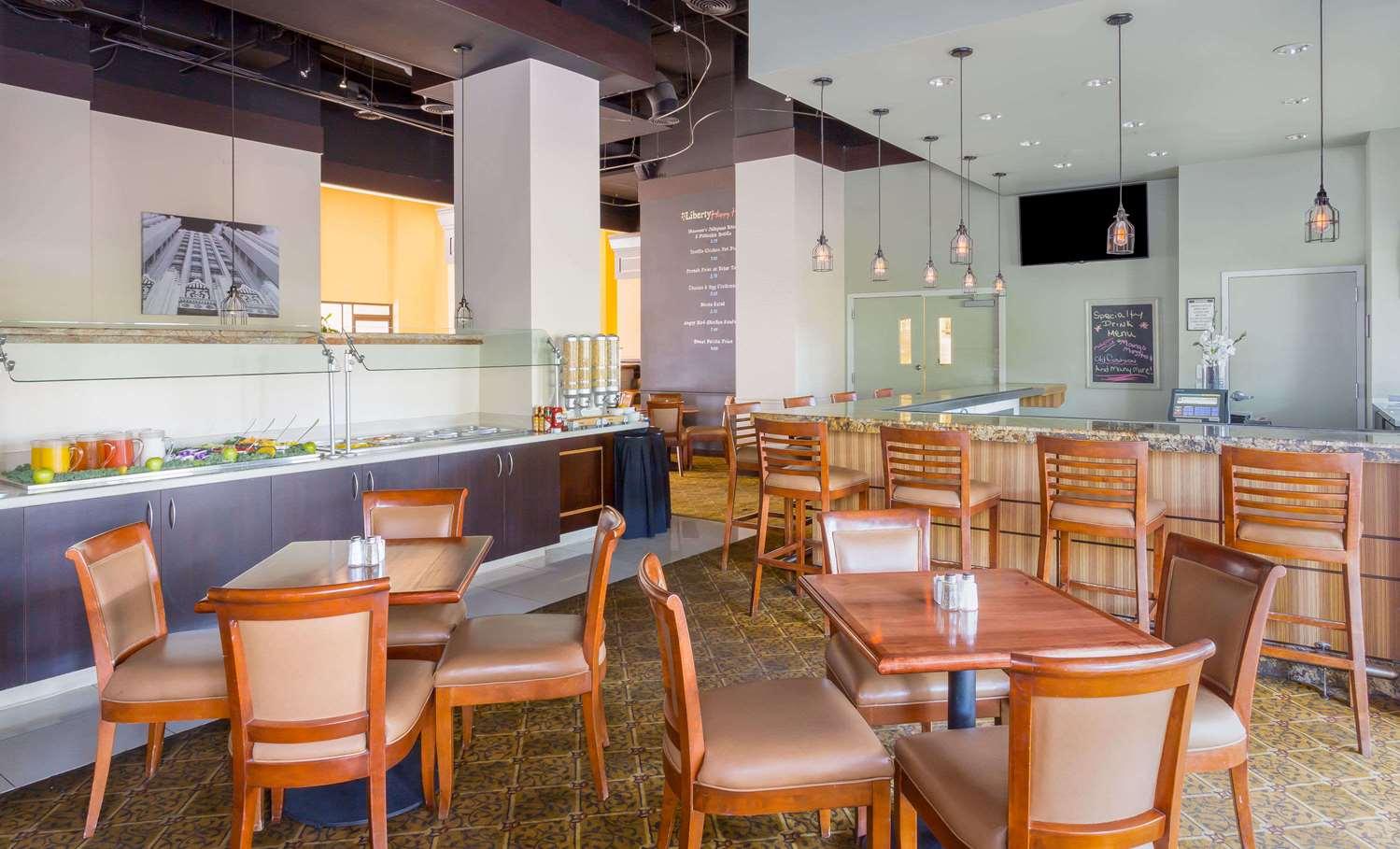 Restaurant - Wyndham Garden Phoenix Midtown Hotel