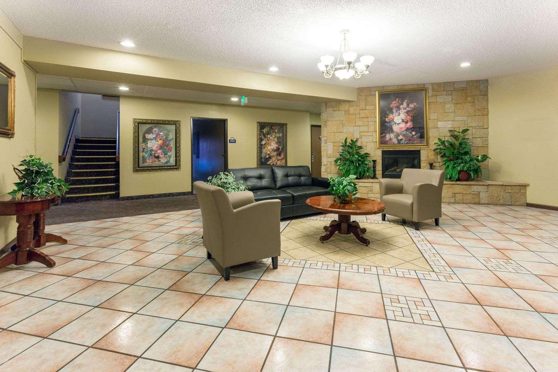 Lobby - Days Inn Airport Colorado Springs