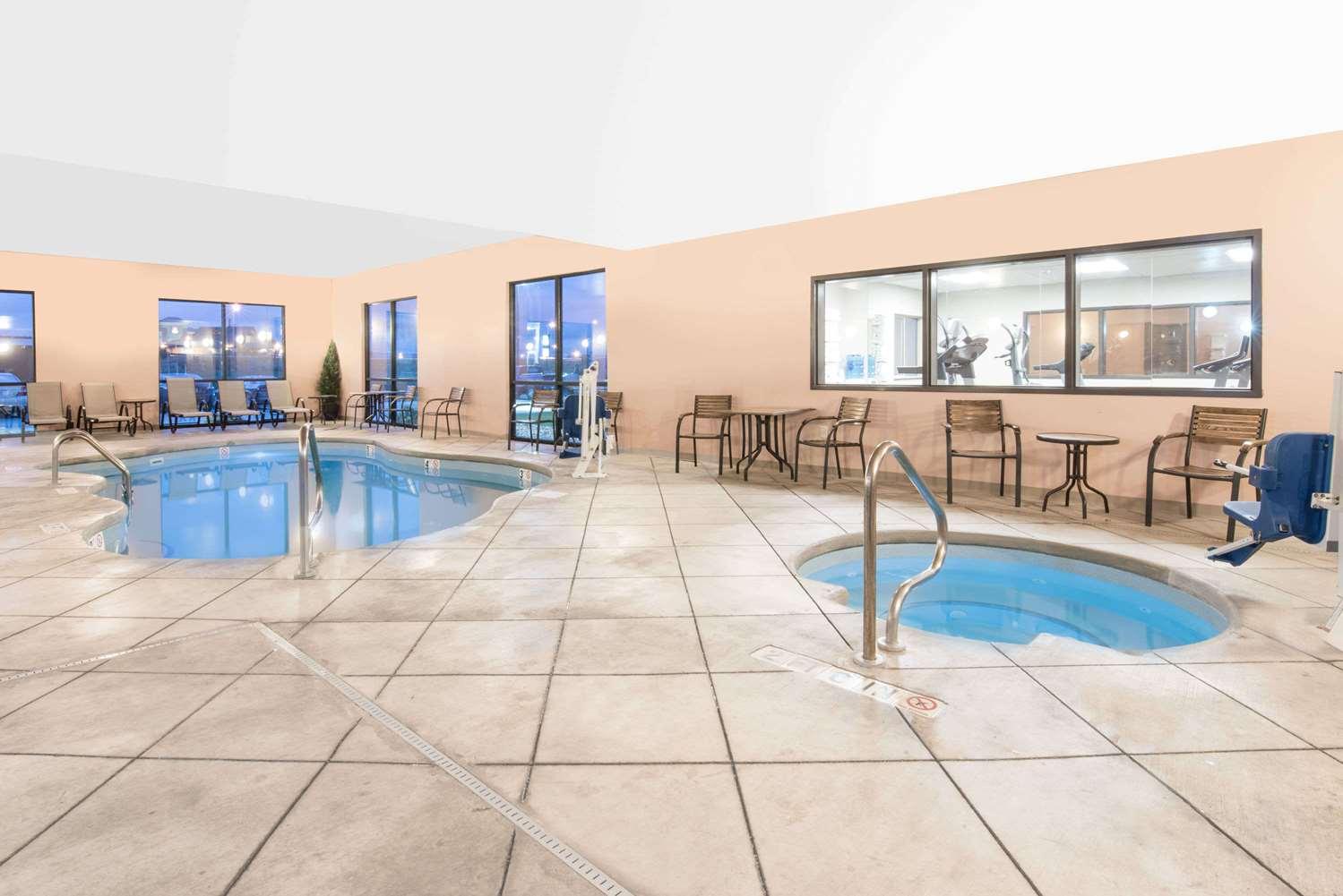 Pool - Baymont Inn & Suites Rapid City