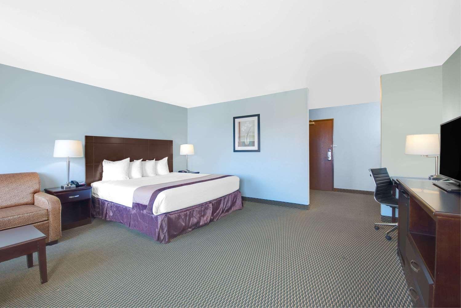Suite - Baymont Inn & Suites Rapid City