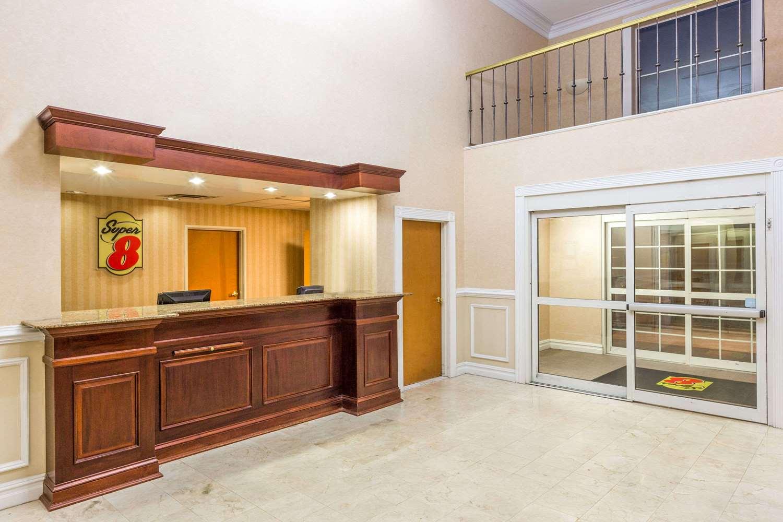 Lobby - Super 8 Hotel Budd Lake