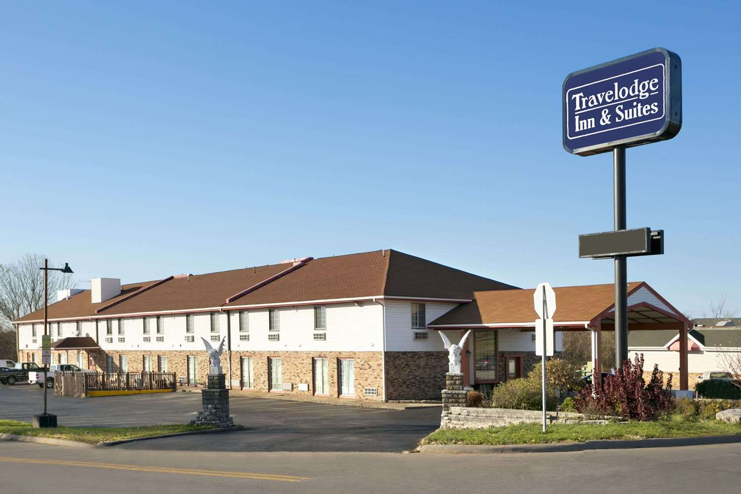 Exterior view - Travelodge Inn & Suites Muscatine