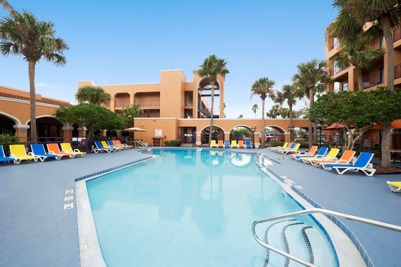 Pool - Ramada Inn Downtown Kissimmee