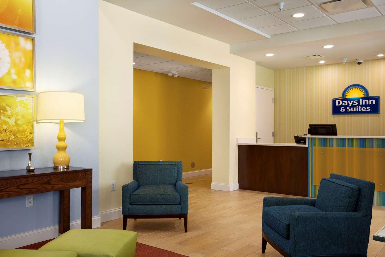 Lobby - Days Inn & Suites Caldwell