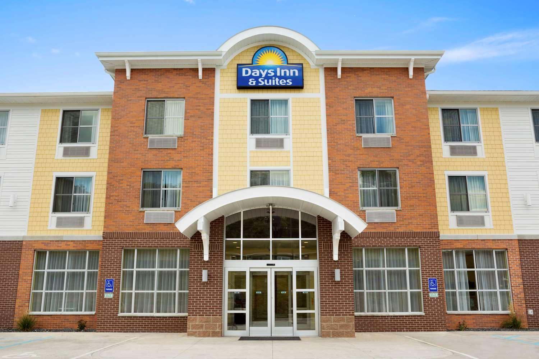Exterior view - Days Inn & Suites Caldwell