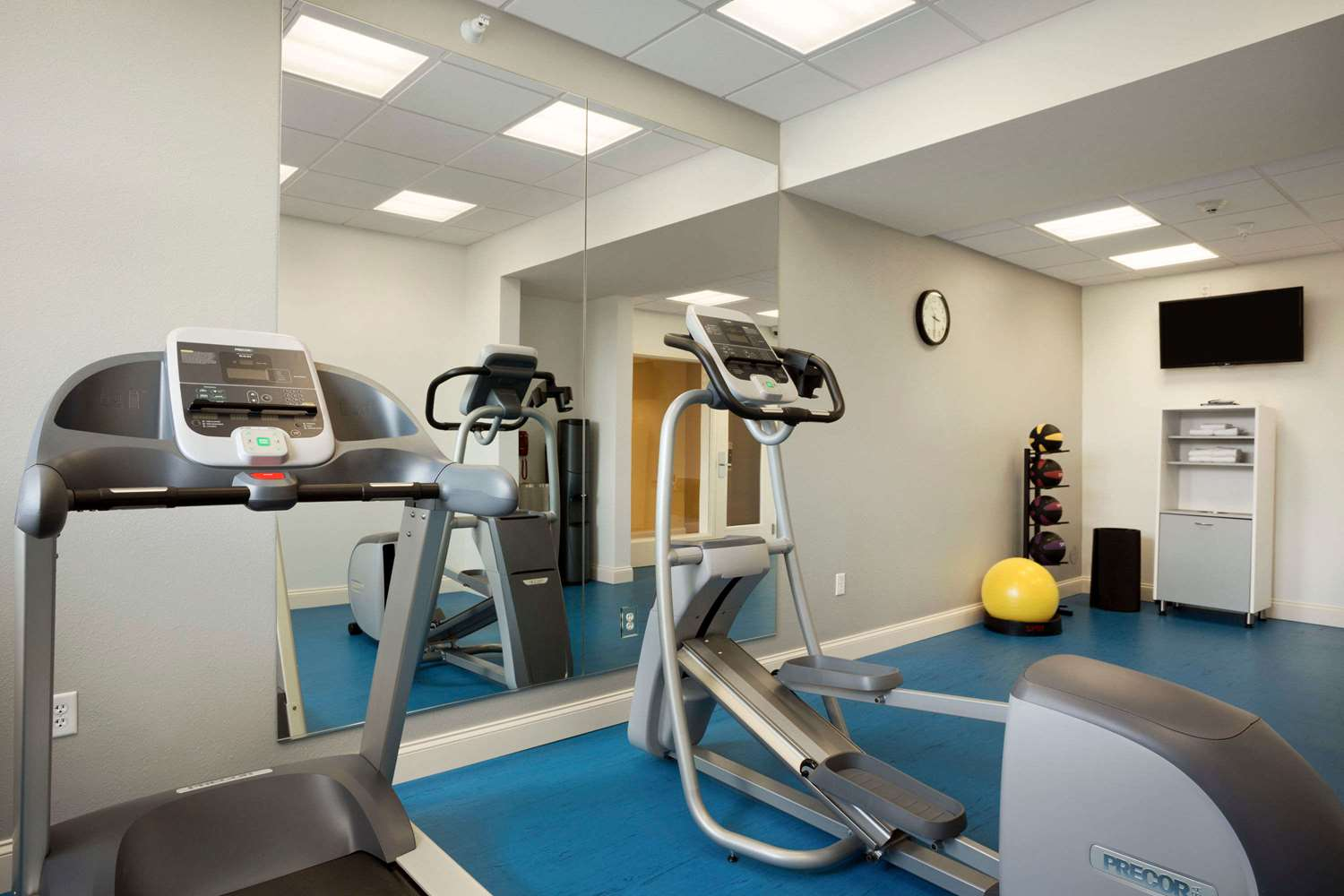 Fitness/ Exercise Room - Days Inn & Suites Caldwell