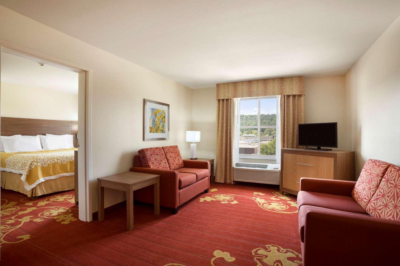 Suite - Days Inn & Suites Caldwell