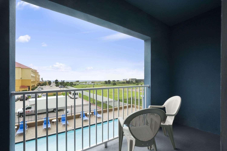 Amenities - Days Inn & Suites Galveston