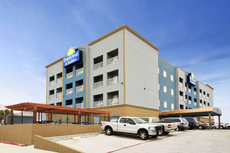 Exterior view - Days Inn & Suites Galveston