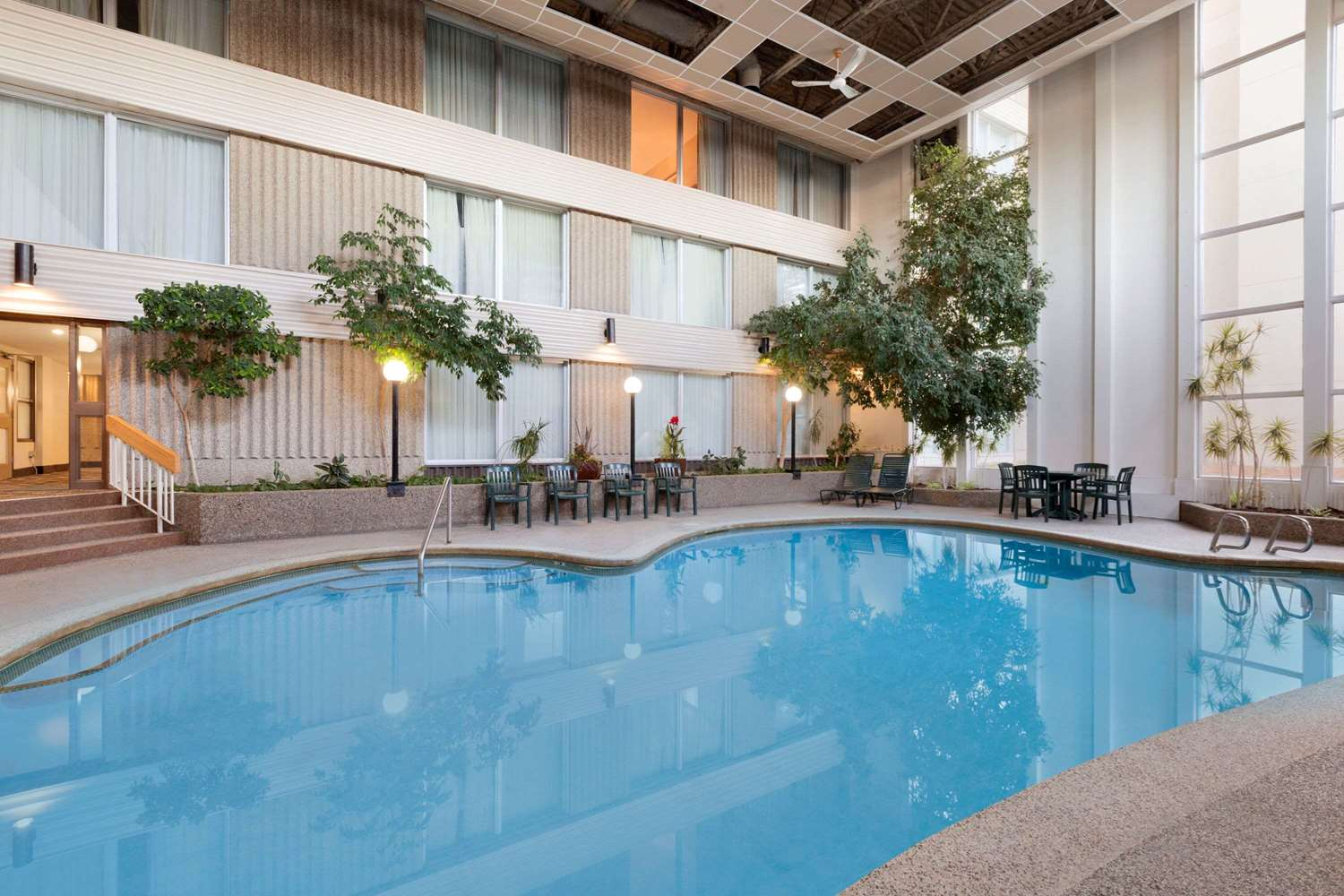 Pool - Days Inn Lloydminster