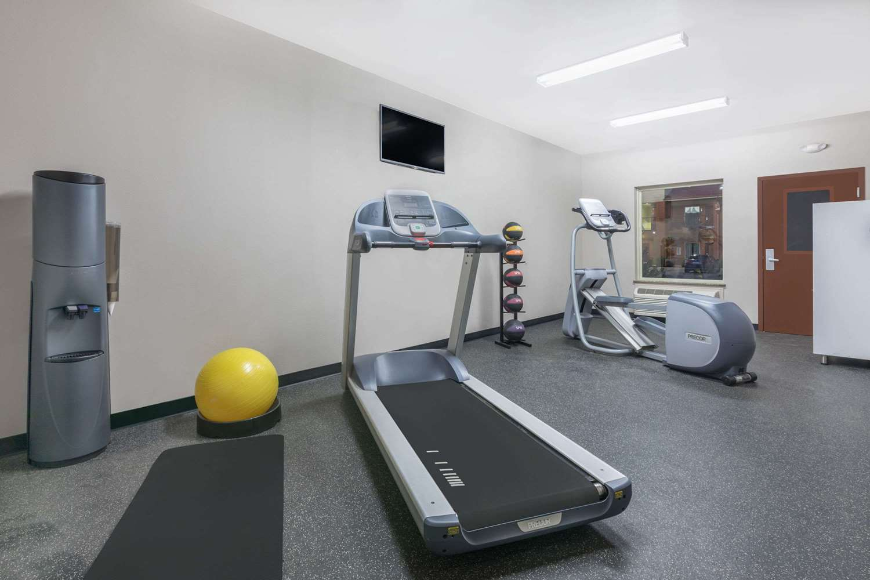 Fitness/ Exercise Room - Days Inn Dilley