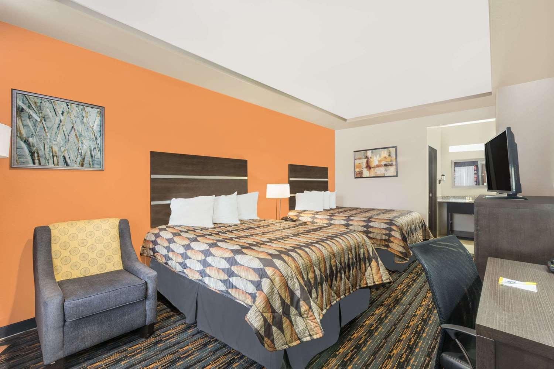 Room - Days Inn Dilley