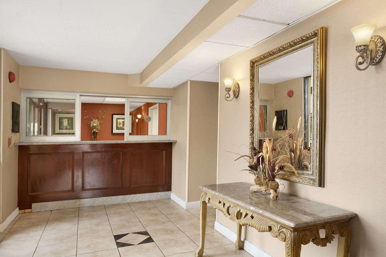 Lobby - Travelodge Inn & Suites Gardena