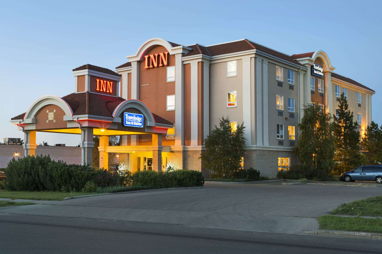 Exterior view - Travelodge Inn & Suites Spruce Grove