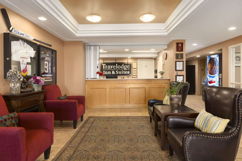 Lobby - Travelodge Inn & Suites Spruce Grove