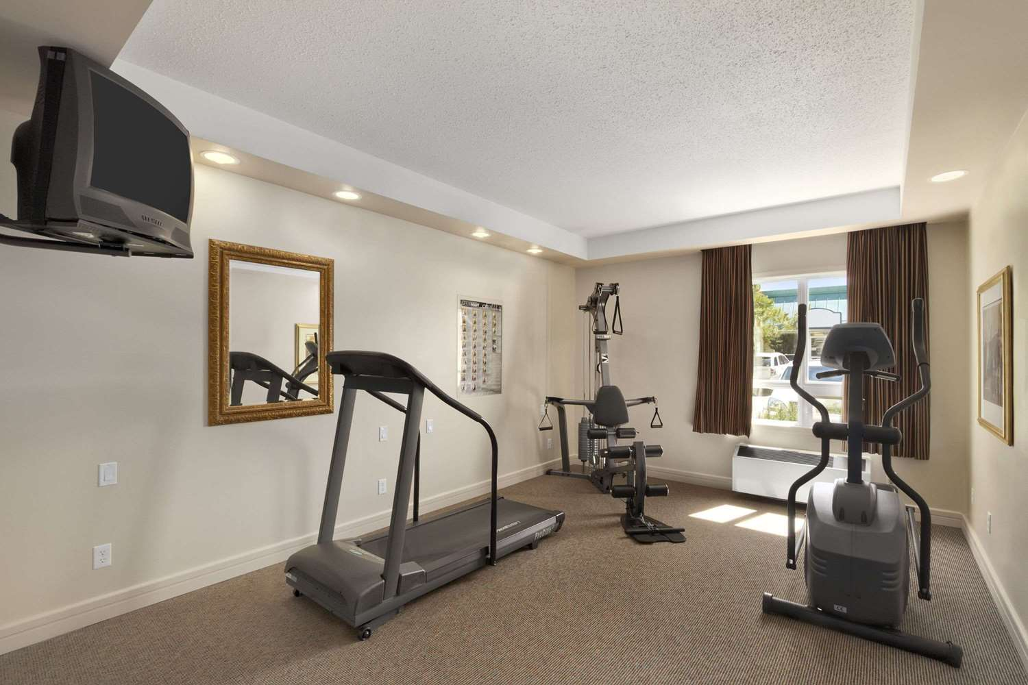 Fitness/ Exercise Room - Travelodge Inn & Suites Spruce Grove