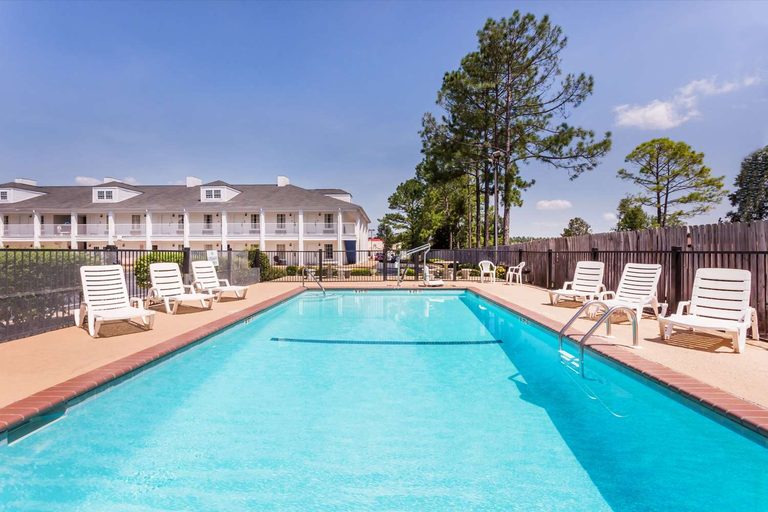 Pool - Baymont Inn & Suites Albany