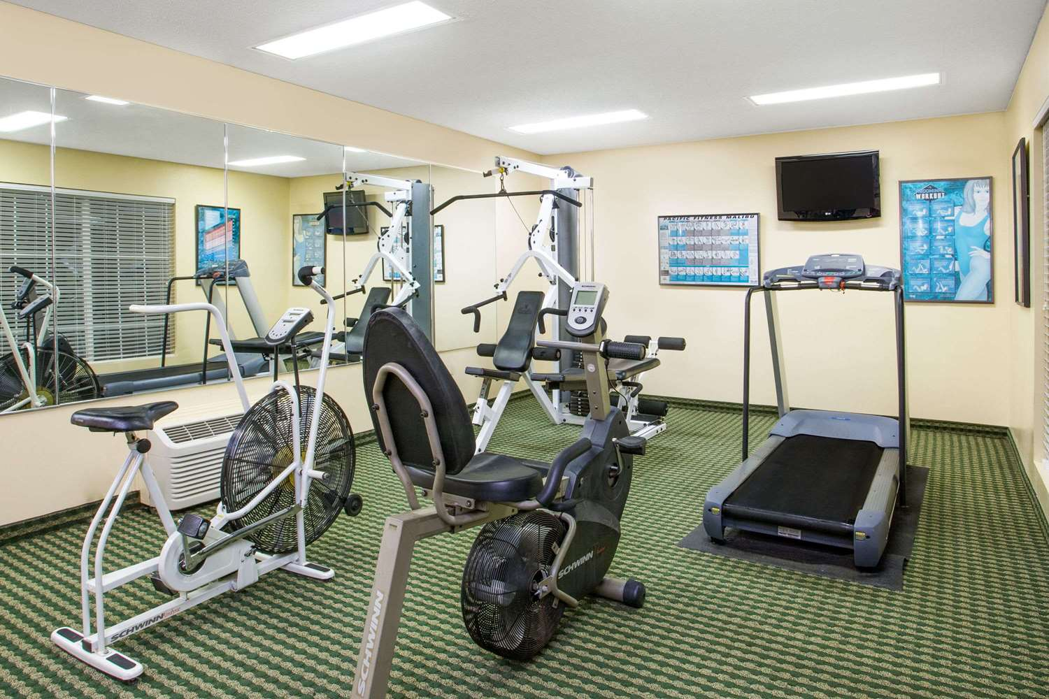 Fitness/ Exercise Room - Baymont Inn & Suites Thomasville