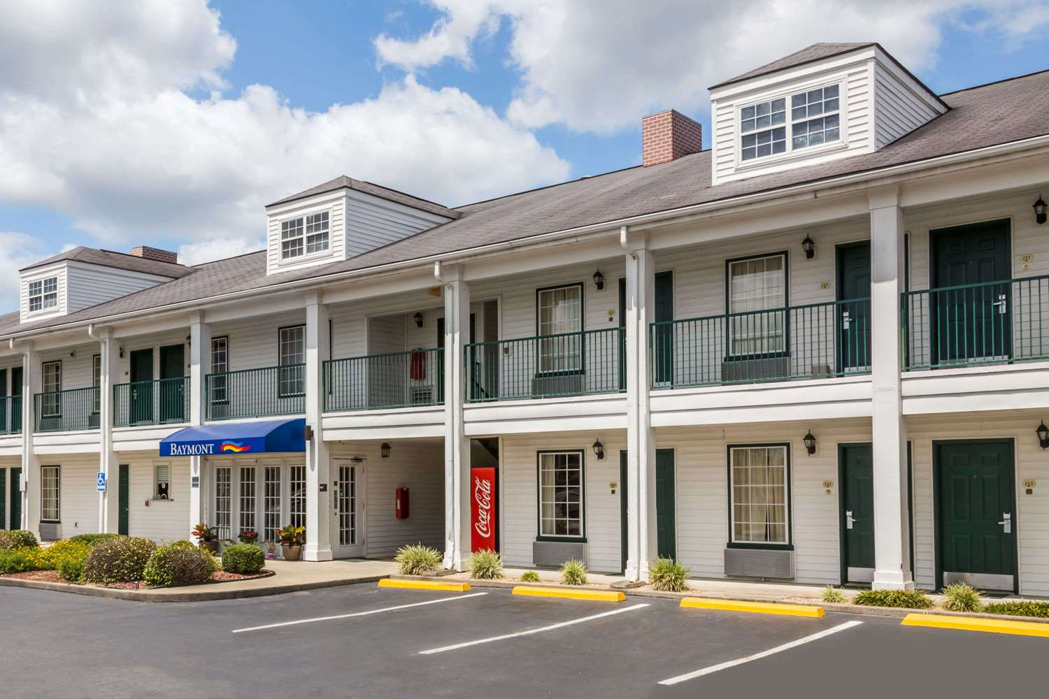 Exterior view - Baymont Inn & Suites Waycross