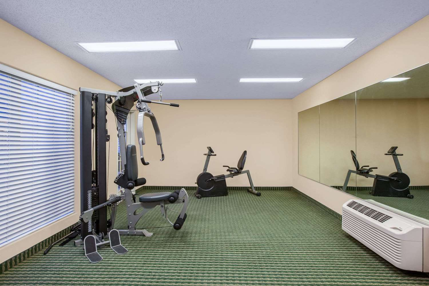 Fitness/ Exercise Room - Baymont Inn & Suites Lafayette