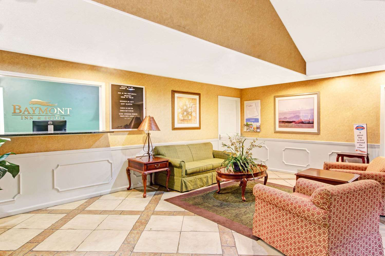 Lobby - Baymont Inn & Suites Gaffney