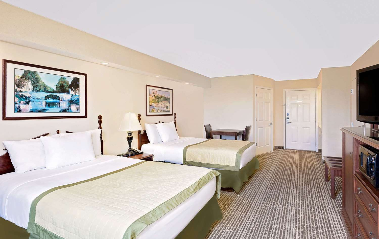 Baymont Inn Amp Suites Georgetown Sc See Discounts