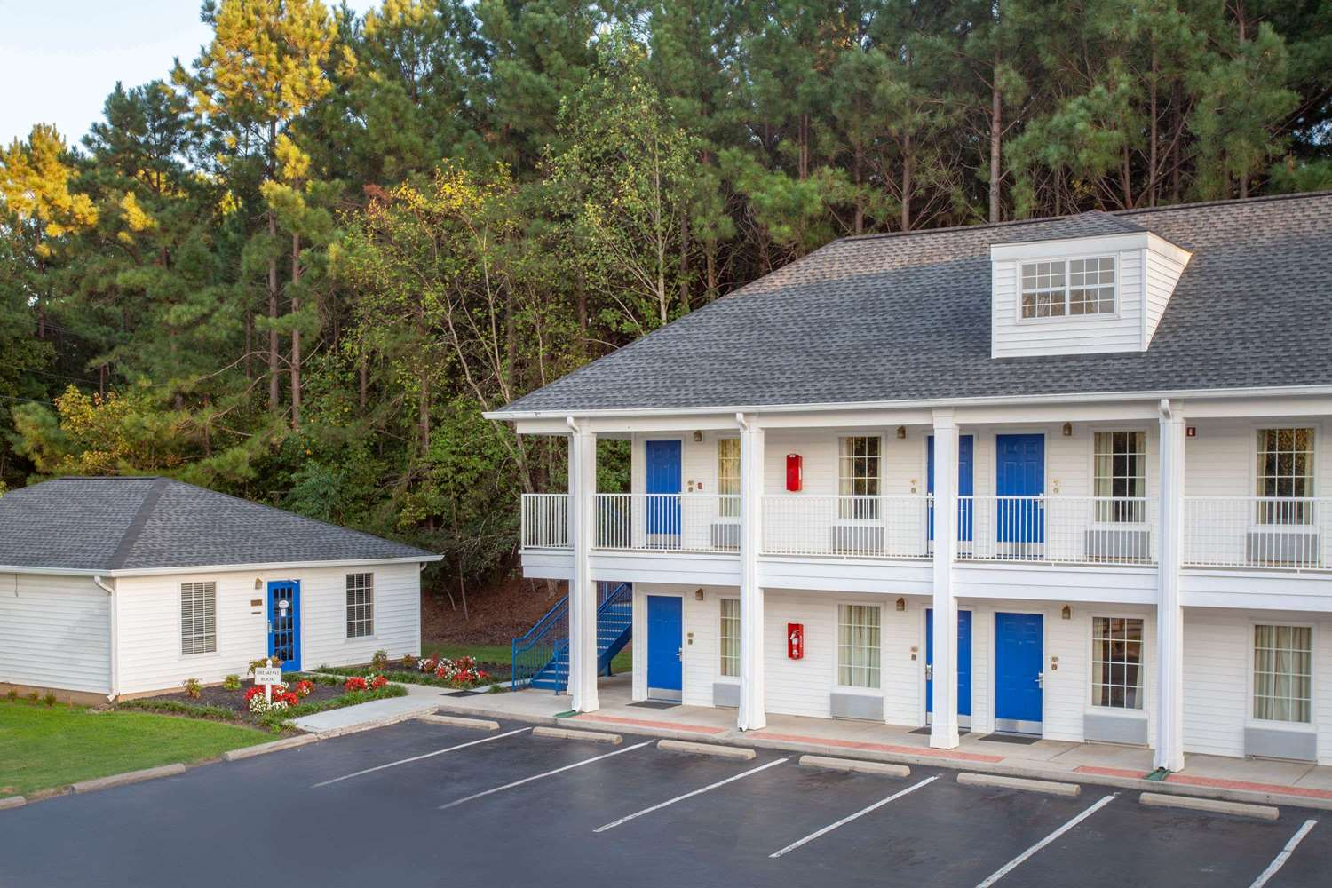 Exterior view - Baymont Inn & Suites Greenwood