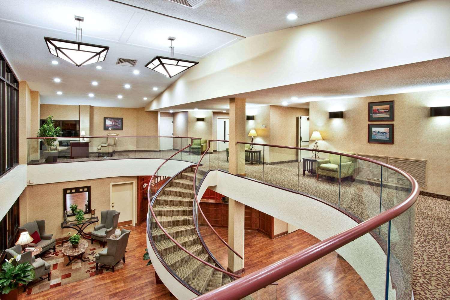 Lobby - Baymont Inn & Suites Cedar Bluff Knoxville