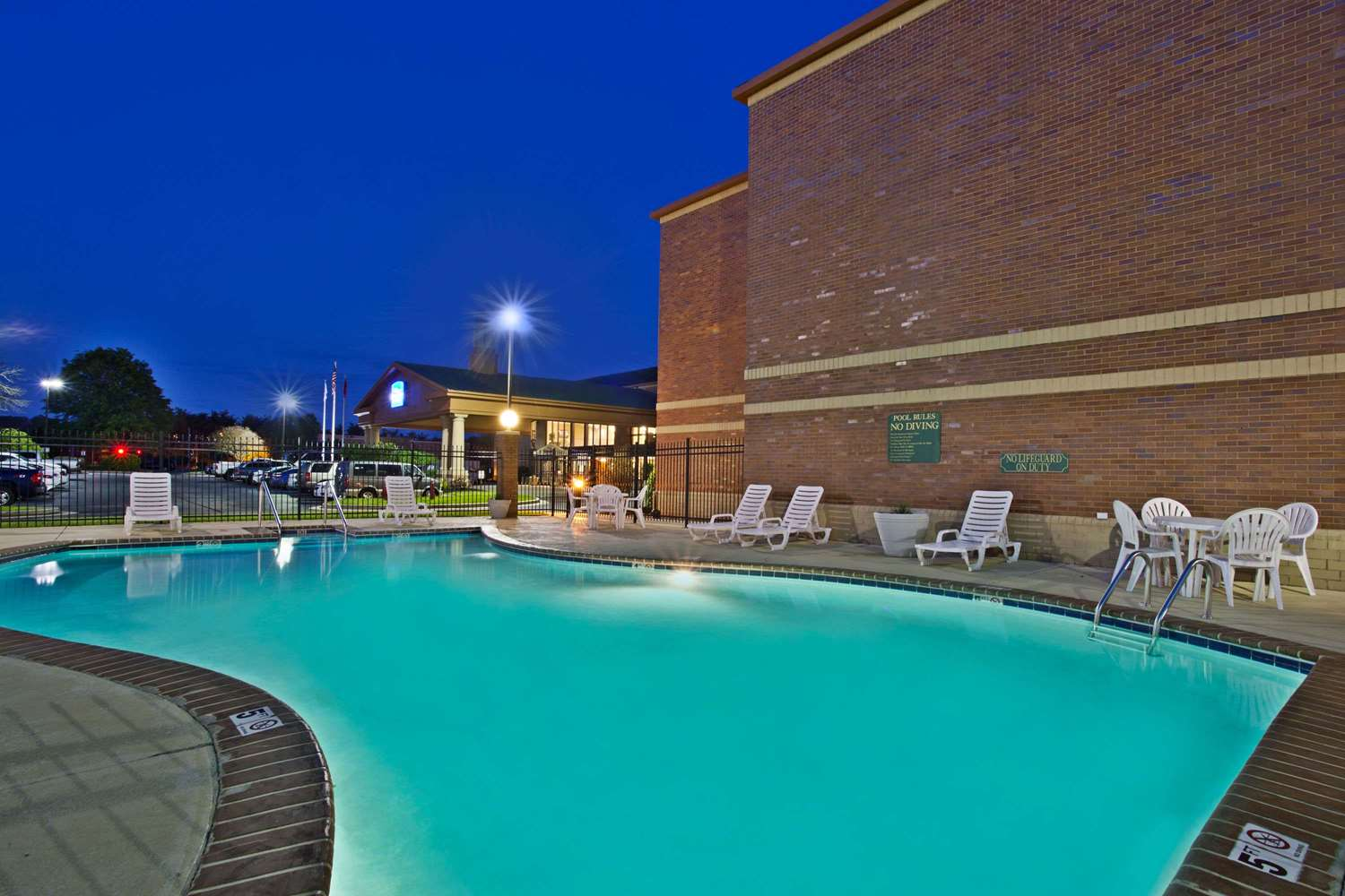 Pool - Baymont Inn & Suites Cedar Bluff Knoxville