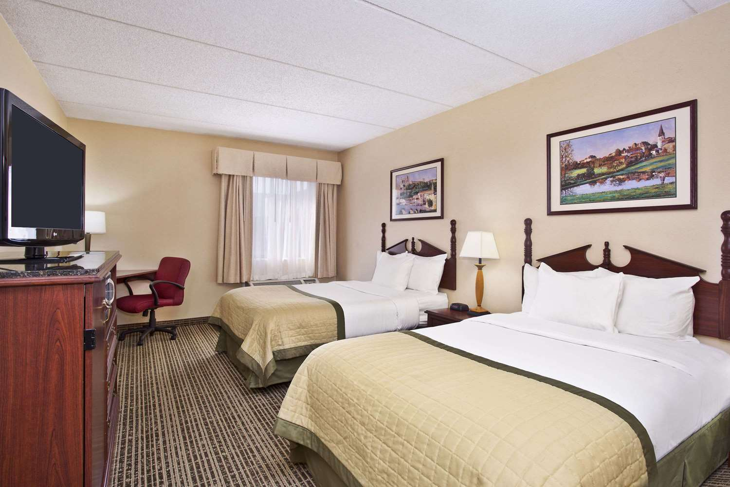 Room - Baymont Inn & Suites Cedar Bluff Knoxville