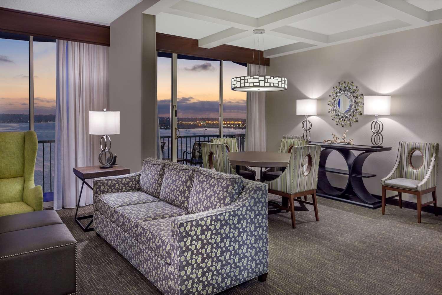 Suite - Wyndham Hotel Bayside San Diego