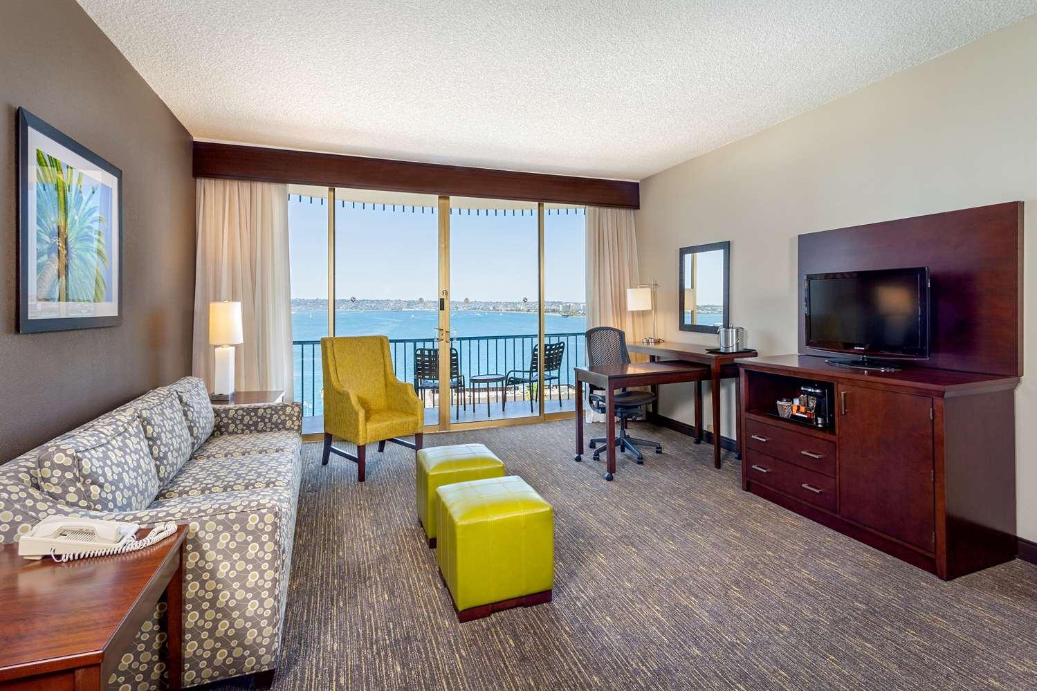 Room - Wyndham Hotel Bayside San Diego