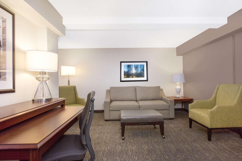 Suite - Wyndham Hotel Historic District Philadelphia