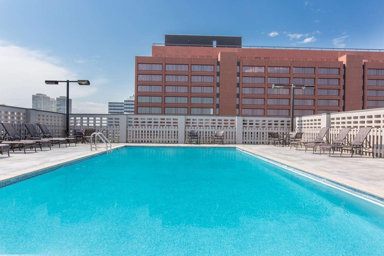 Pool - Wyndham Hotel Historic District Philadelphia