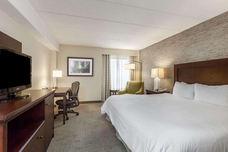 Room - Wyndham University Center Hotel Pittsburgh