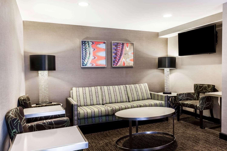 Bar - Wyndham University Center Hotel Pittsburgh