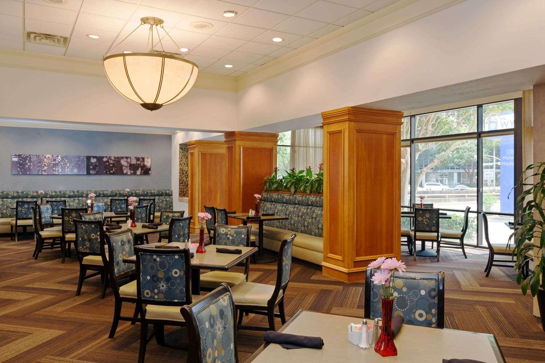 Restaurant - Wyndham Hotel & Suites Medical Center Houston