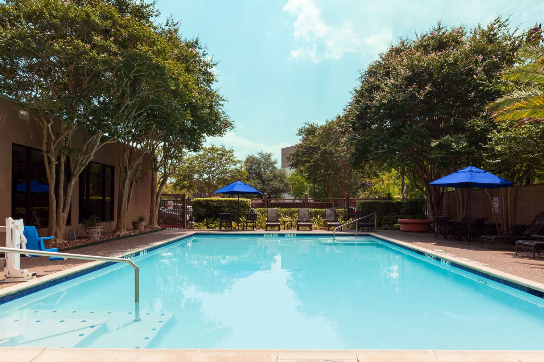 Pool - Wyndham Hotel & Suites Medical Center Houston