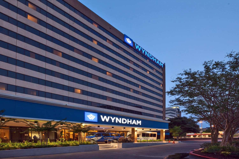 Exterior view - Wyndham Hotel & Suites Medical Center Houston