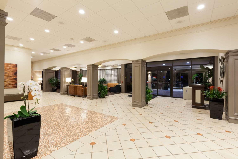 Lobby - Wyndham Hotel & Suites Medical Center Houston