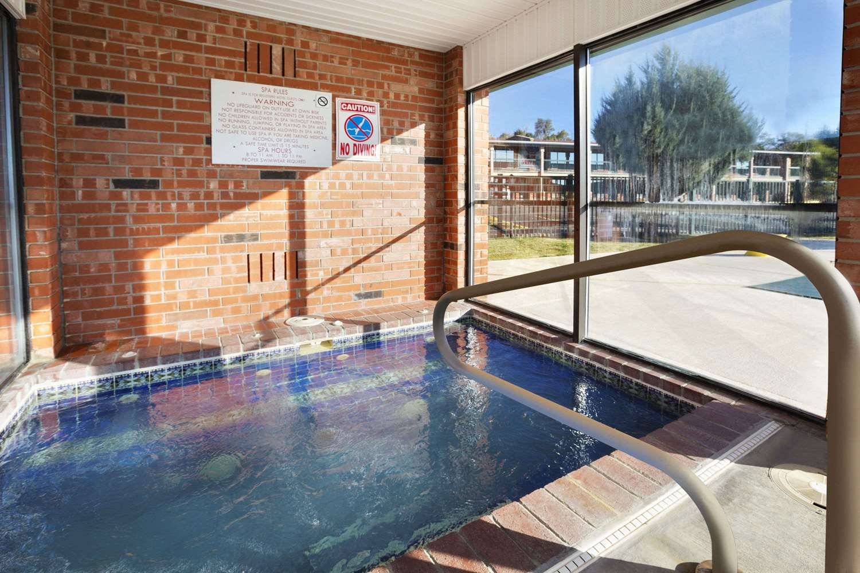 Pool - Days Inn & Suites Trinidad