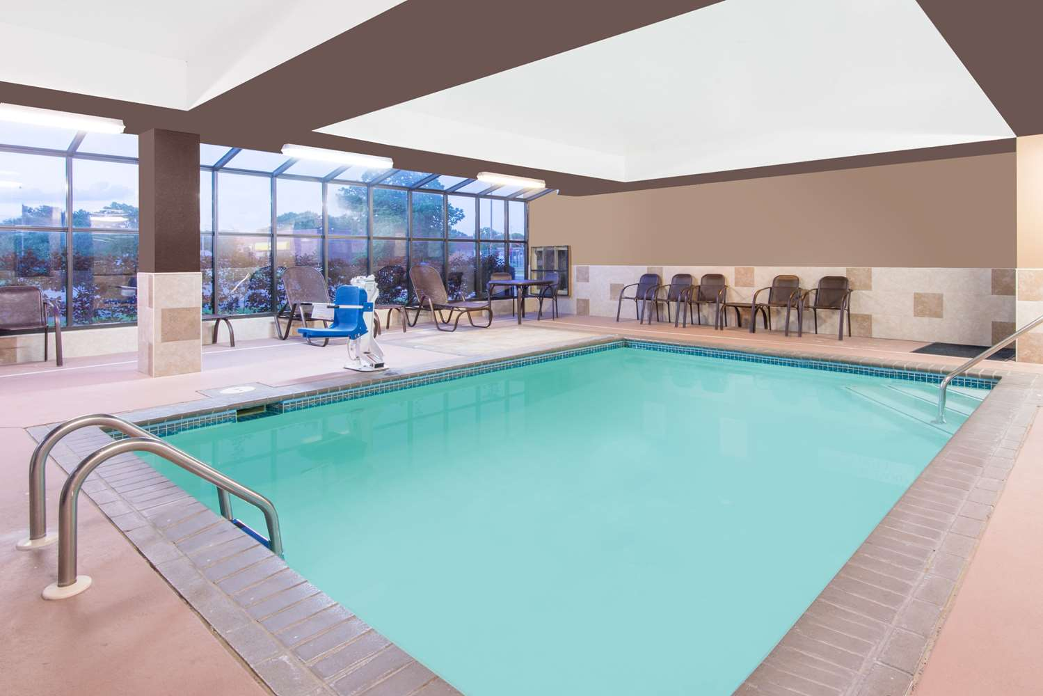 Pool - Super 8 Hotel South Wichita