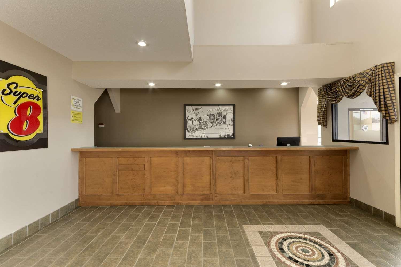 Lobby - Super 8 Hotel Chatsworth