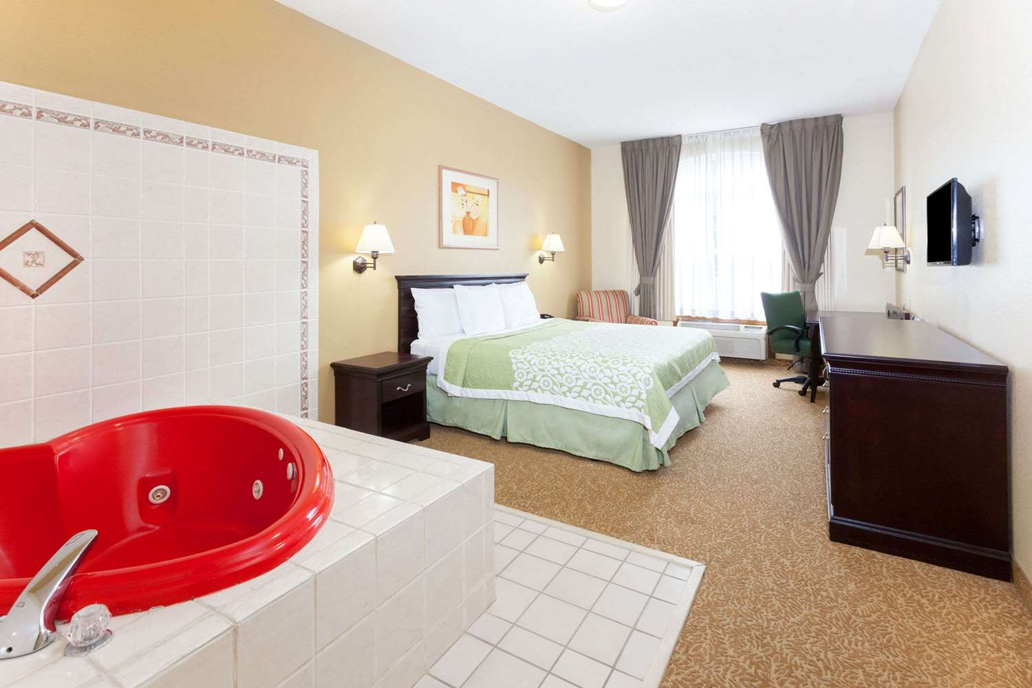Room - Days Inn & Suites North Tucker