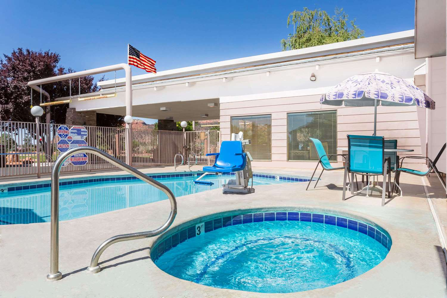 Pool - Days Inn & Suites Kanab