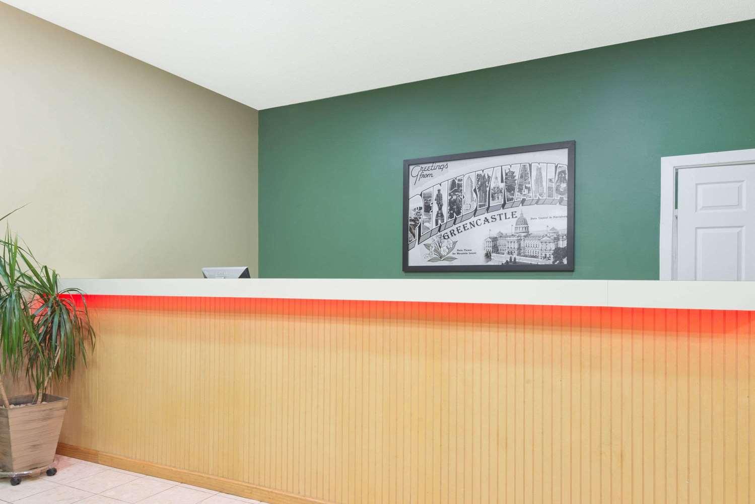 Lobby - Super 8 Hotel Greencastle