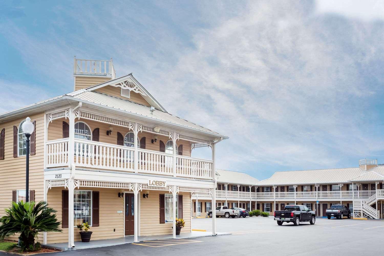 Exterior view - Super 8 Hotel Foley
