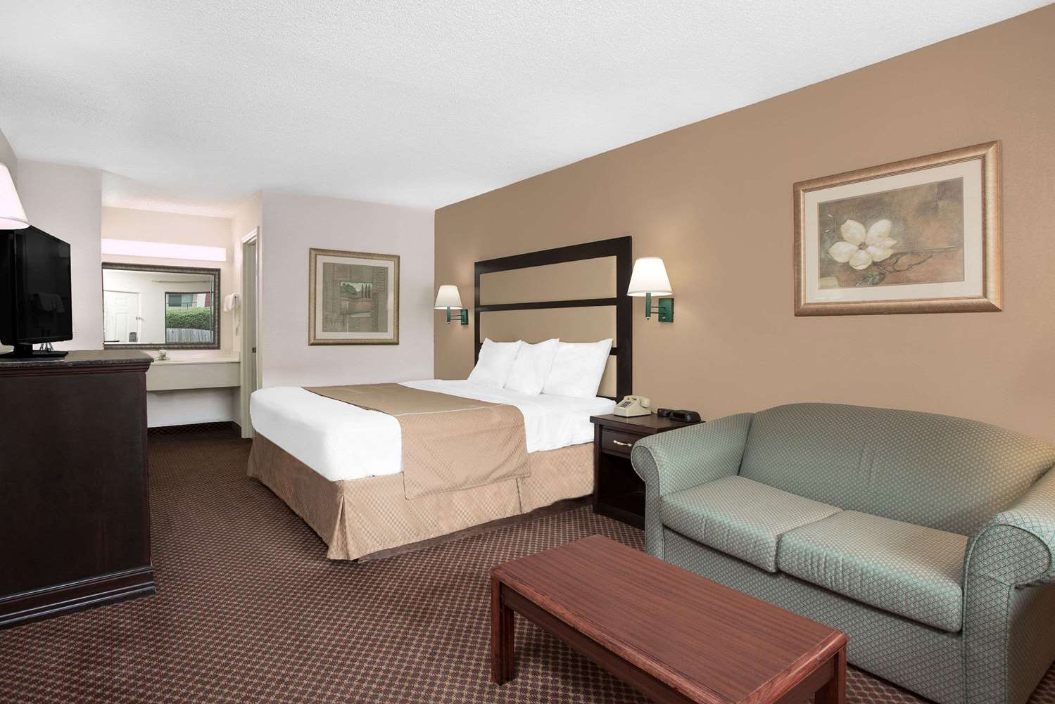 Room - Days Inn I-475 Macon