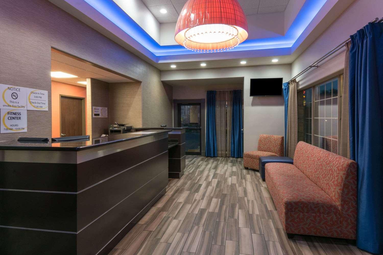 Lobby - Super 8 Hotel Northeast San Antonio