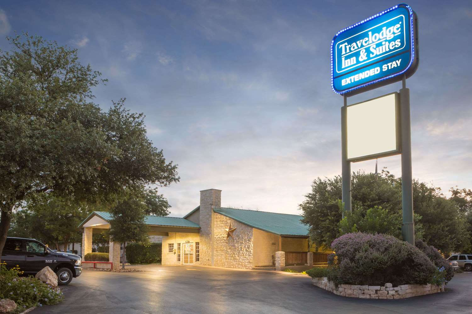 Exterior view - Travelodge Inn & Suites Airport San Antonio